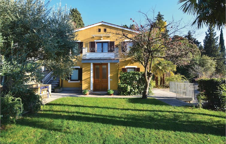 Holiday apartment with 2 bedrooms on 40 m² in Portoroz