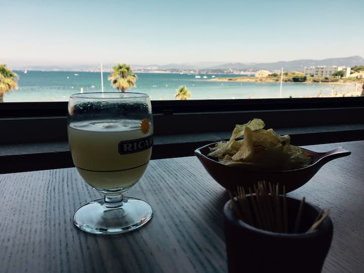 Appartement luxe au Brusc face à la mer