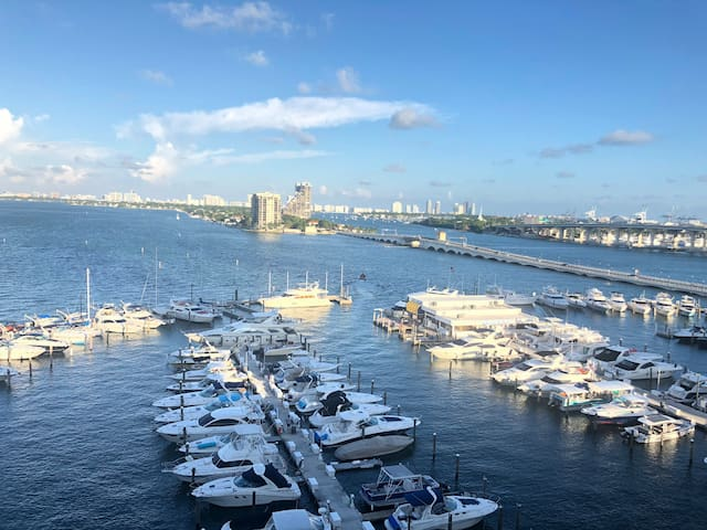 Waterfront 2 Bedroom 2 Bath (Hilton Residences)