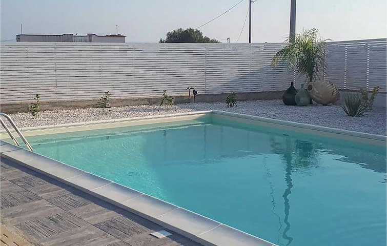 Holiday cottage with 2 bedrooms on 105m² in Realmonte