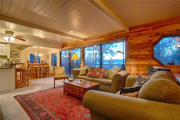 Stunning Lake Views from Cozy Cabin! #105
