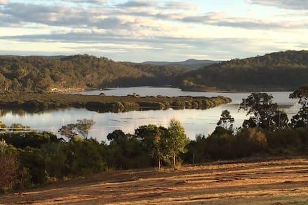 Pet-friendly 5 acres near Pambula Lake and Beach