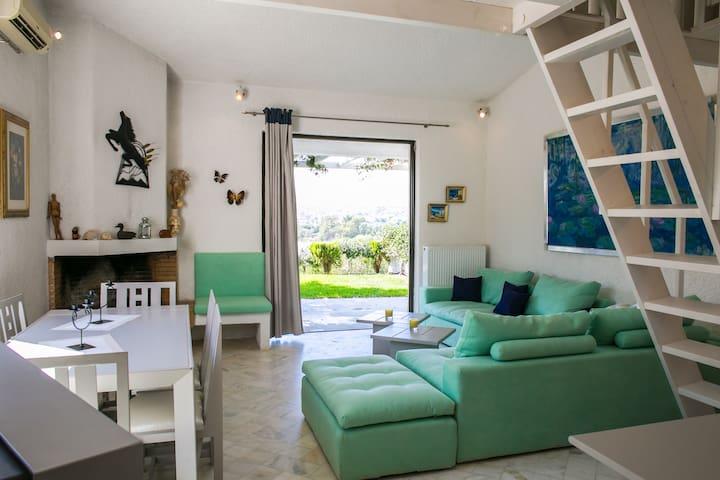 Villa Legrena, near to the beach