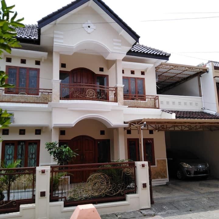 Homestay Guest House Nyaman Mewah Murah di Jogja