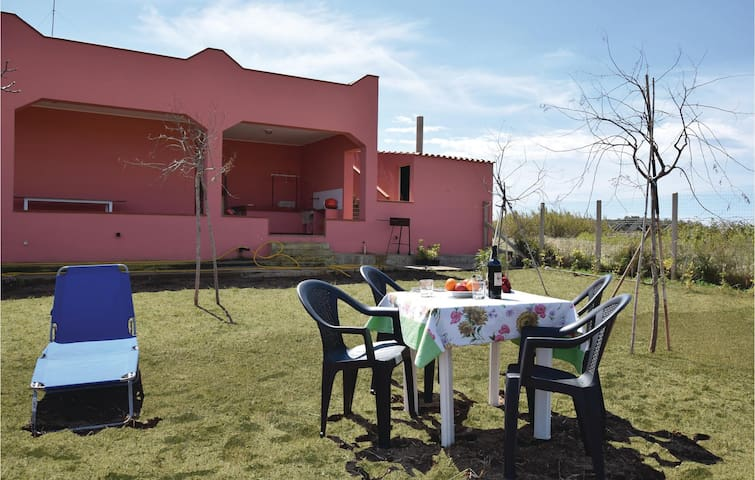 Holiday cottage with 4 bedrooms on 200m² in Portopalo (SR)
