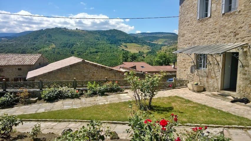 Gîte Ardèche Verte 8/9 personnes - Annonay - House