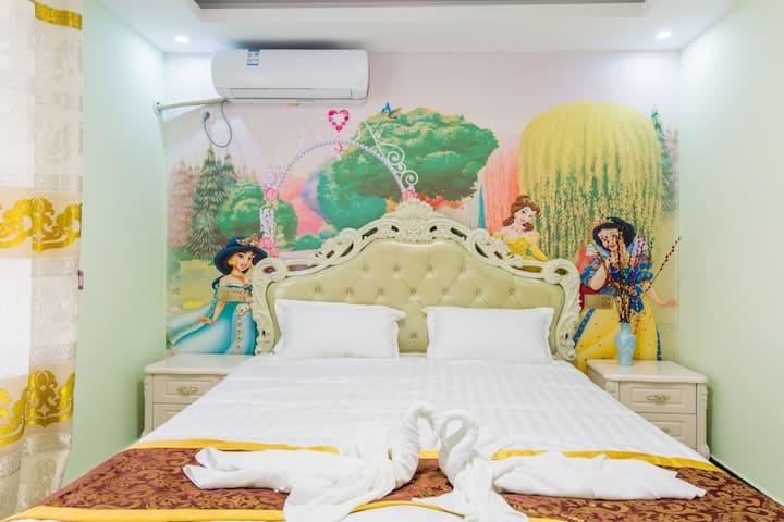 【馨颐】免费迪士尼接送-梦幻公主大床房II--近浦东机场/野生动物园