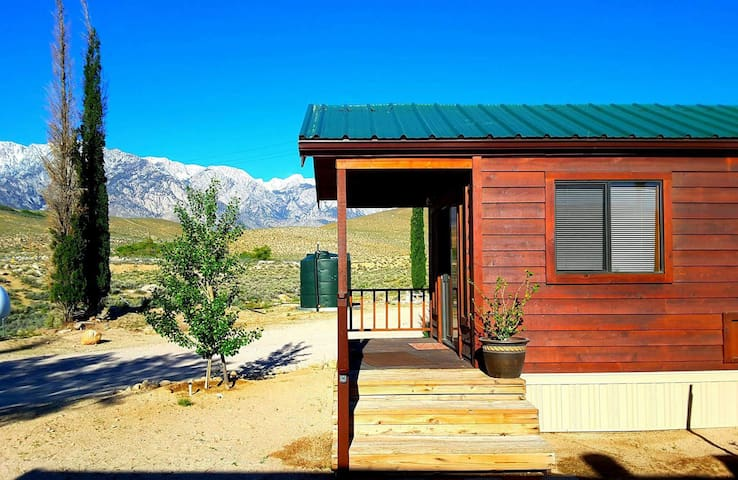 Lone Pine Cabin
