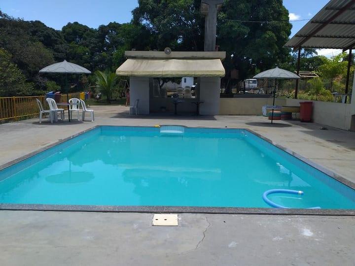 Sítio Da Vó Tereza no Córrego Sete com piscinas