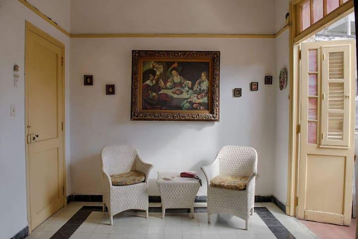 Apartamento completo apacible en centro Habana