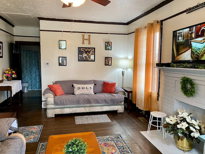 Harrah's Hideaway-Close to downtown Charleston