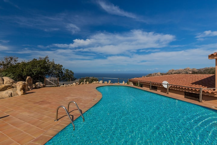 Villa Arielle-Sardinia Unlimited, beautiful pool