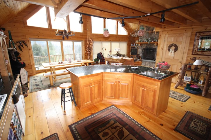 ALL VIEW- A Great Ski House! - Newry - House