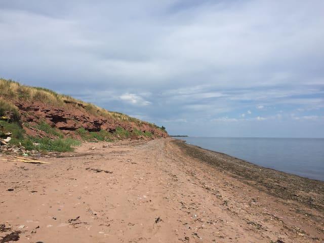 Plage de sable vers l est