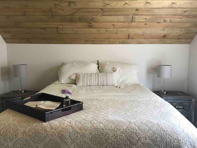 Modern Farmhouse Stay