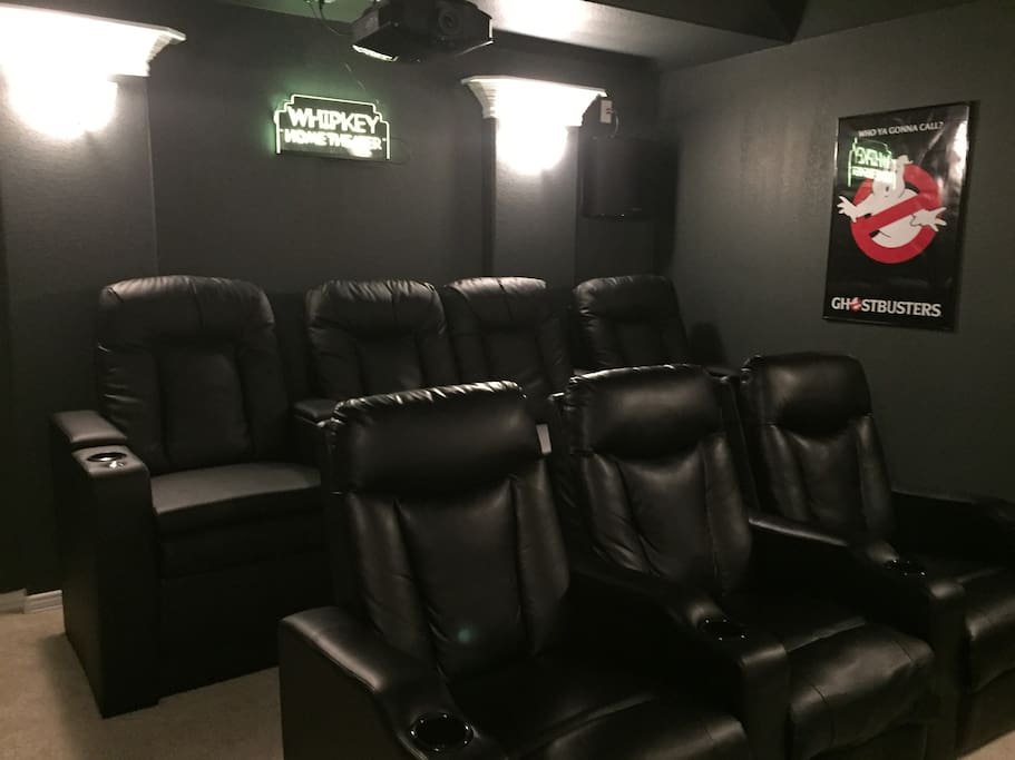 Home Theater seats 7 comfortably