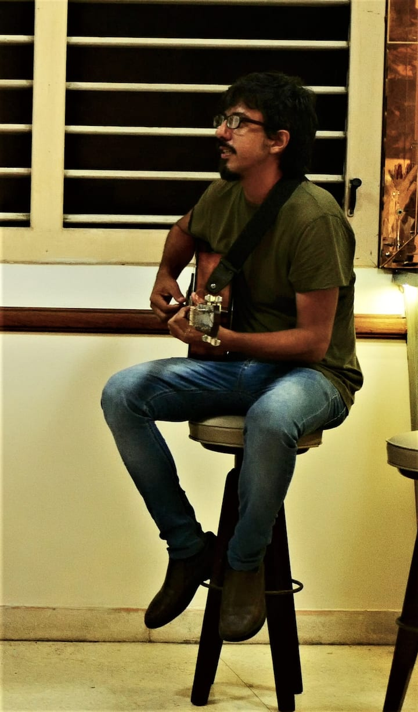Inti, músico cantautor
