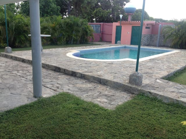 , Casa Vacacional, descanso total - Paparo - House