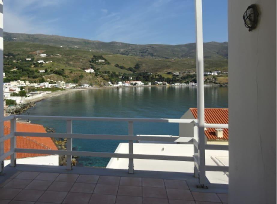 Serenity and stunning view of hora bay case in affitto for Piani di casa artigiano di 3000 piedi quadrati