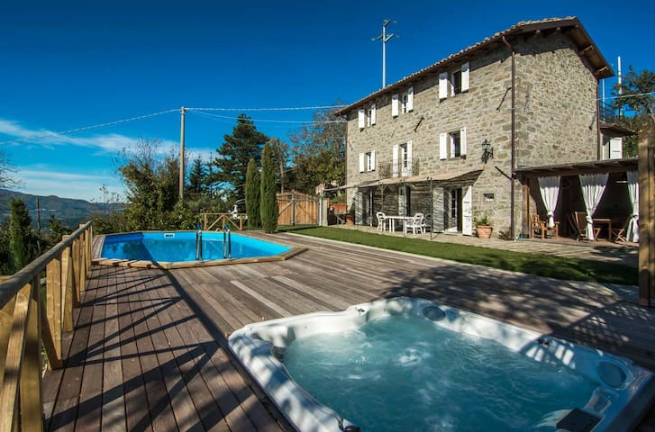 Accogliente casa con piscina riscaldata e jacuzzi