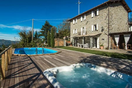 Accogliente casa con piscina e idro - Castiglione di Garfagnana