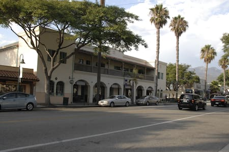 Newly Remodeled 3 Bedroom, Short Walk To The Beach - Carpinteria - Appartement