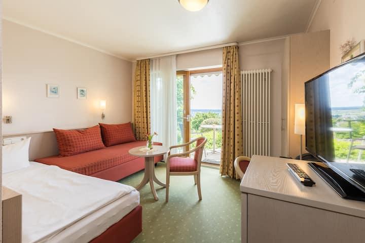 Gästehaus Anita, (Gailingen am Hochrhein), Einzelzimmer 1 mit Dusche und WC