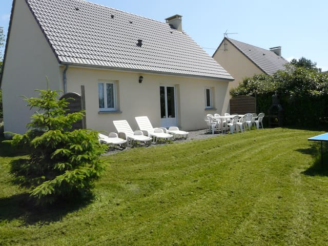 detached house 1 mile from the sandy beach