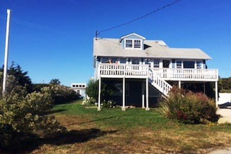 Mattituck Villa by the beach