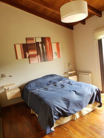 Dormitorio 2, con cama queen