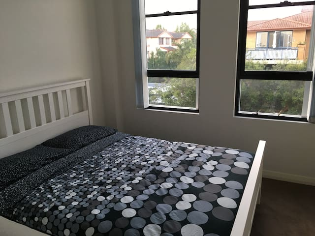 Stylish apartment close to Sydney CBD and Beaches