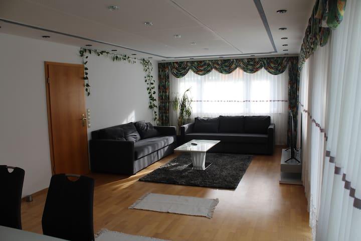 Spacious Apartment in Feuerbach near Bosch/Porsche