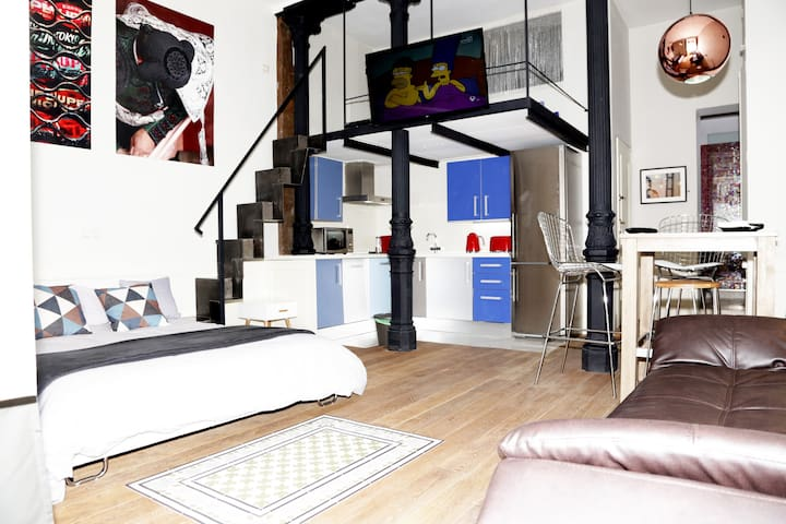 Studio w/lift. Center Malasaña/Chueca. Wi-Fi. A/C.