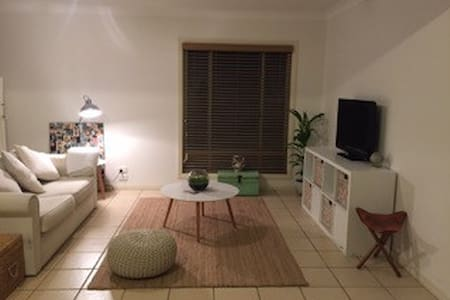 Studio Space with Rural View - Bangalow - Bungalow