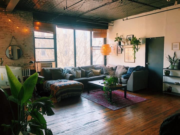Huge Room in Prime Williamsburg Loft