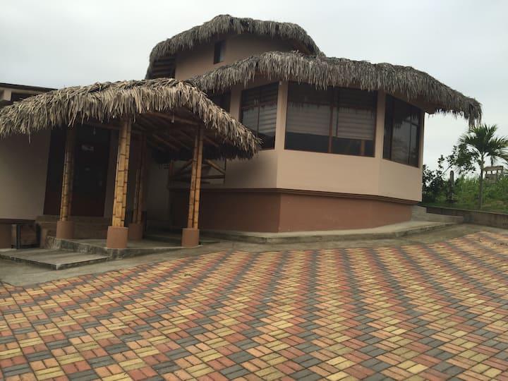 Casa en Olón con hermosa vista (2)