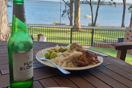 Relaxin' Lakeside