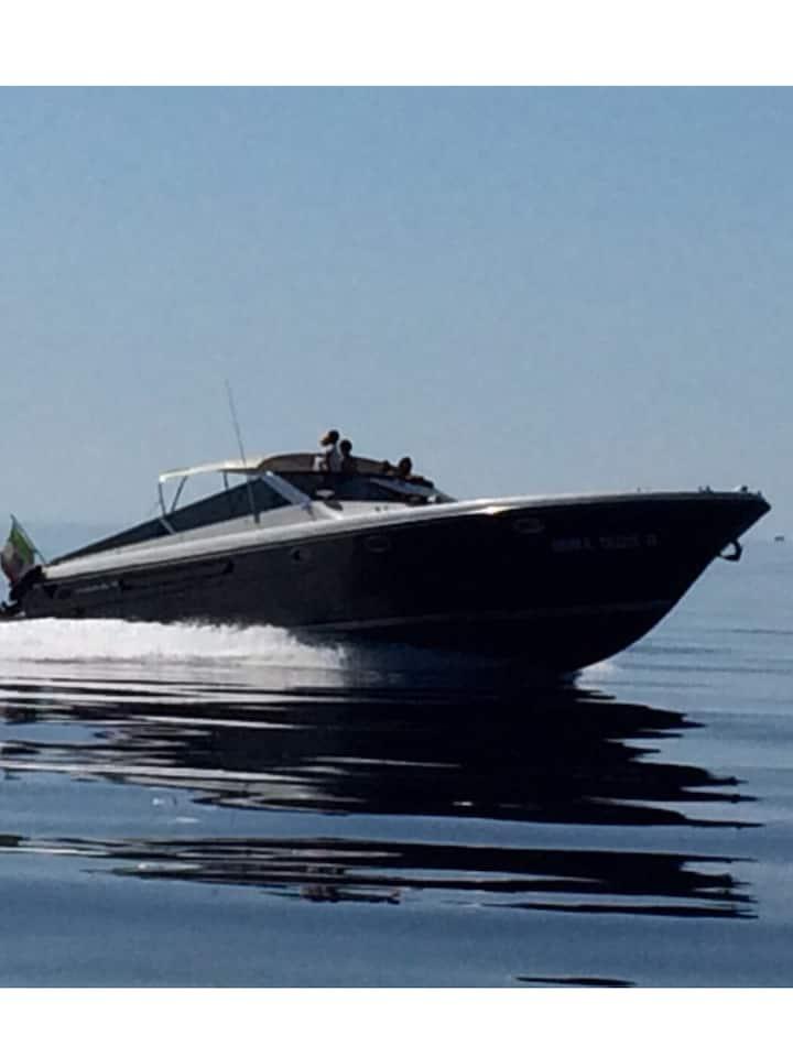 Beautiful Boat for rent at the Amalfi coast/Capri