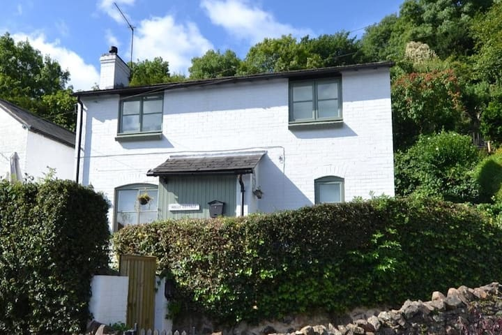 Charming Cottage on the Picturesque Malvern Hills