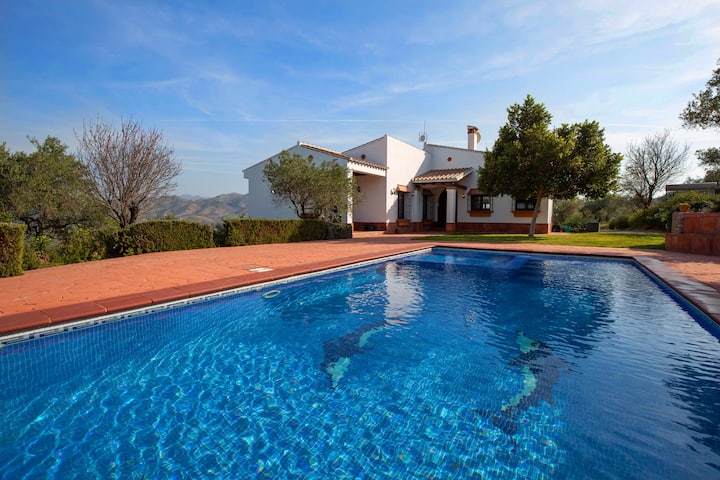 Villa Mantequilla - stunning country setting