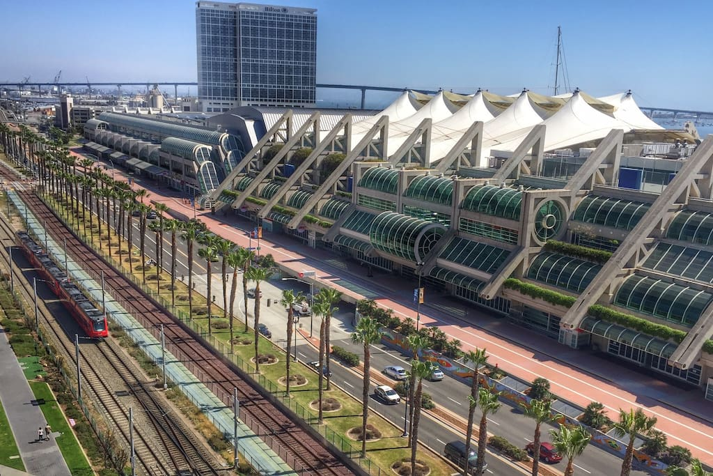 Only 15mins walk to Convention Center
