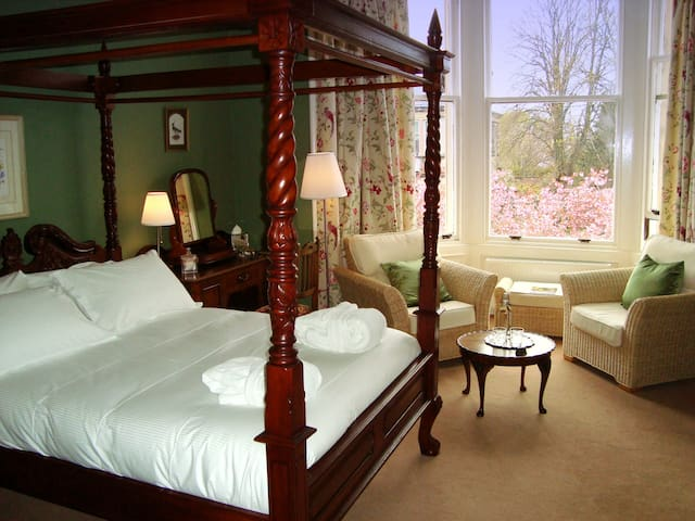 The Cunningham room, Lochinver Guest House