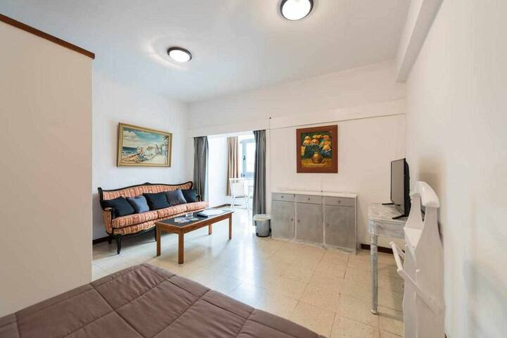 Spacious and luminous loft next to Las Canteras