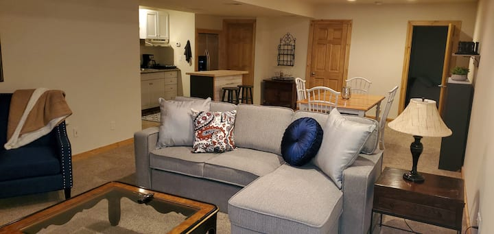 Private 2 bed unit close to World Class skiing!