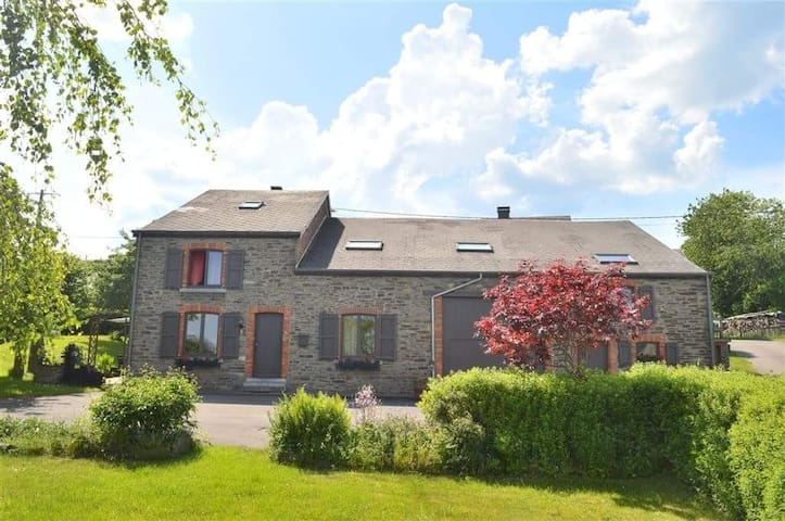 """""""Les Grands Chais"""" dans les Ardennes Belges"""