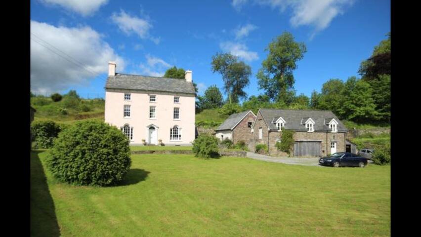 B&B rooms in country manor house - Pentre-bach