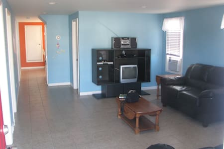 **Shore house 2 blocks from the beach** - House