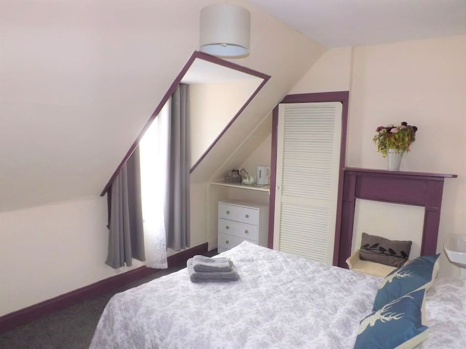 Clarion Cottage Double Bedroom 1