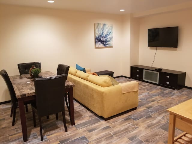 2Bed/2Bath Furnished, Gated, 1 Block from Beach