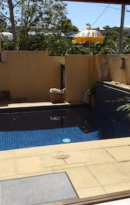 Studio with private plunge pool. - Coolangatta - Bungalow
